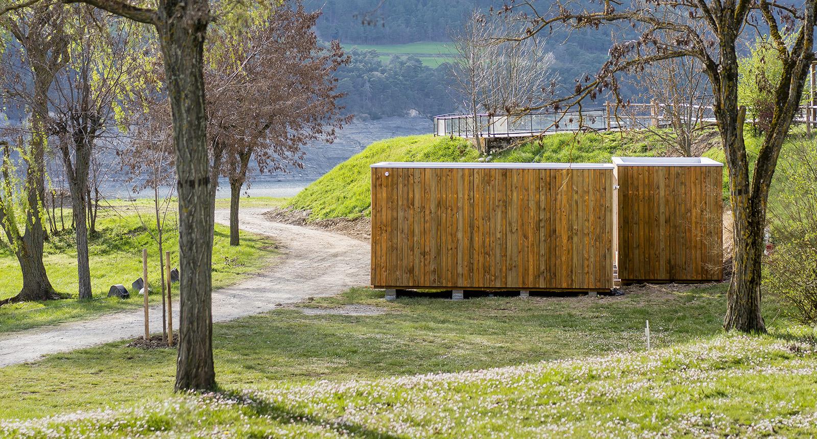 SANIBIO® sanitaire modulaire intégré au paysage, bloc sanitaire